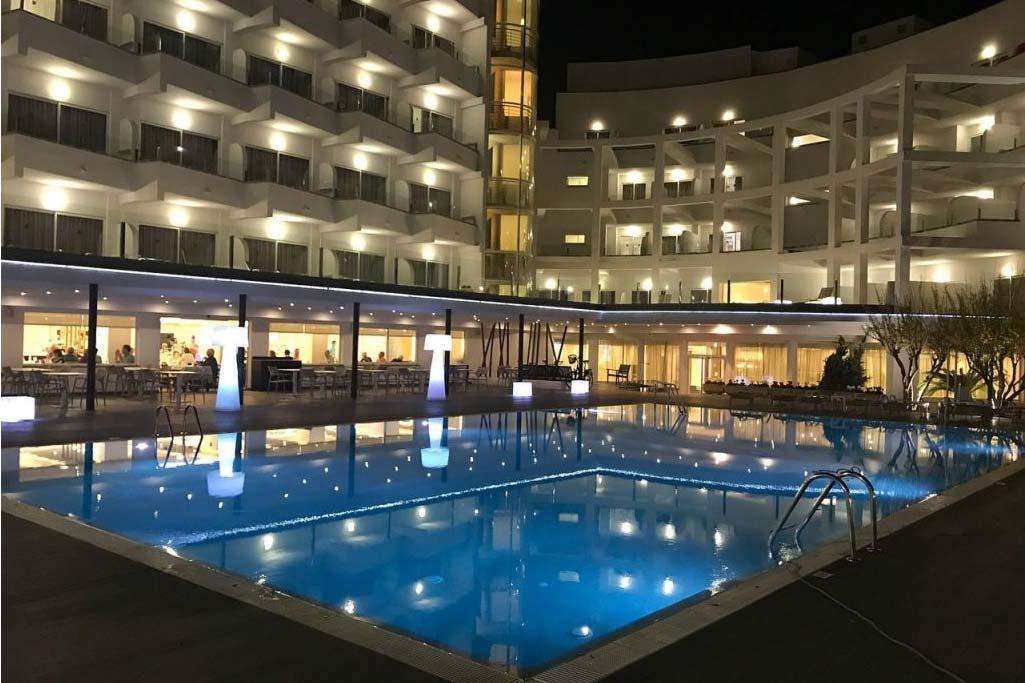 Grupotel Acapulco Playa instalación piscina lujo Mallorca