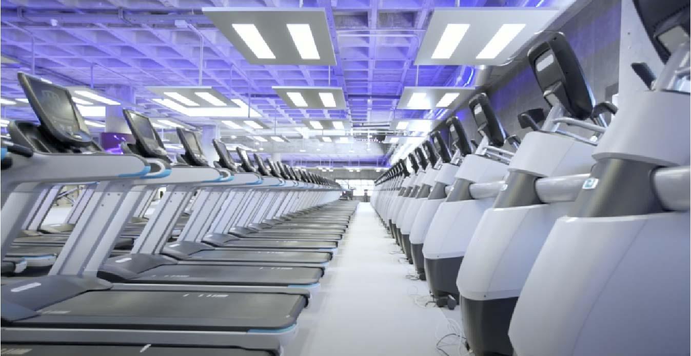 máquinas gimnasio MegaSport instalación Mallorca iluminación